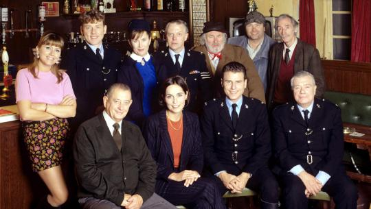 Heartbeat - S9E1 - Manoeuvres in the Dark
