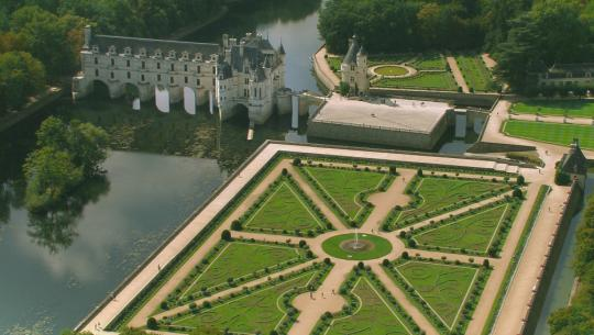 Monty Don's French Gardens - E1 - Gardens of Passion and Power
