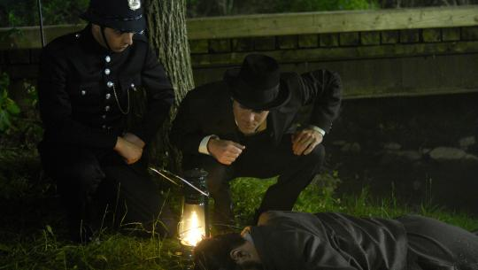 Murdoch Mysteries - S1E6 - Let Loose the Dogs