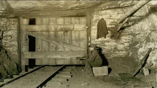 Working People: A History of Labour in British Columbia - E4 - Miners vs Dunsmuirs