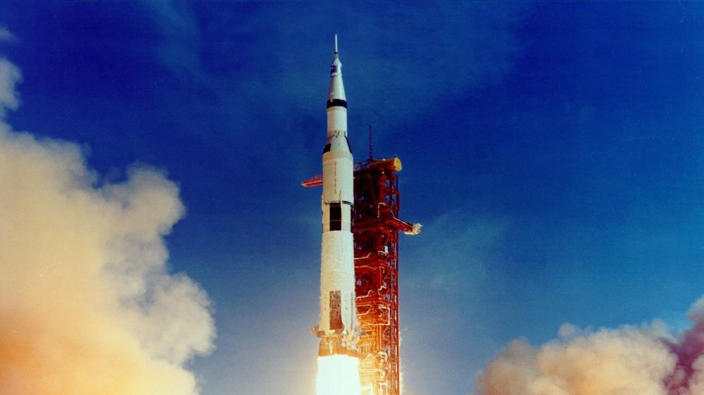 13 Factors That Saved Apollo 13 - E1 - Earth to the Moon