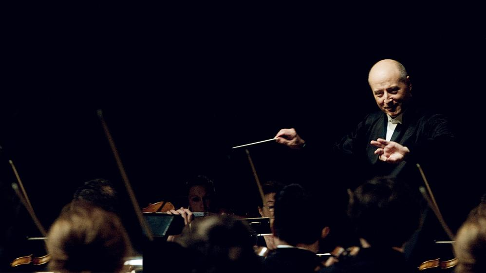 Paavo Jarvi Conducts the Orchestre de Paris